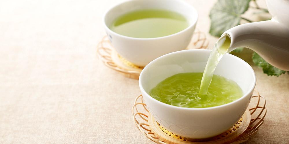 Teh yang baik diminum sebelum tidur adalah teh hijau rendah kafein