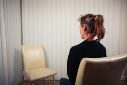 Terapi gestalt merupakan salah satu jenis terapi humanistik