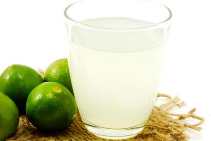terapi jeruk nipis mengharuskan orang untuk minum jeruk nipis selama 2 minggu berturut-turut tanpa jeda
