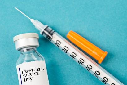 Vaksin hepatitis B dapat membantu mencegah penularan HBV