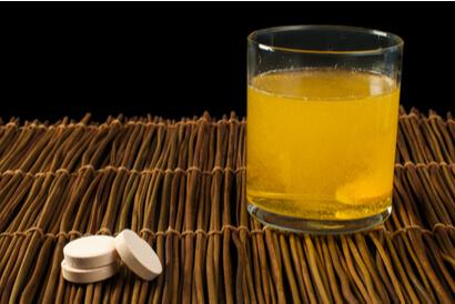 Vitamin yang larut dalam air seperti vitamin C sebaiknya diminum saat perut kosong
