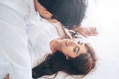 Seks yang konsensual berarti disetujui oleh kedua belah pihak
