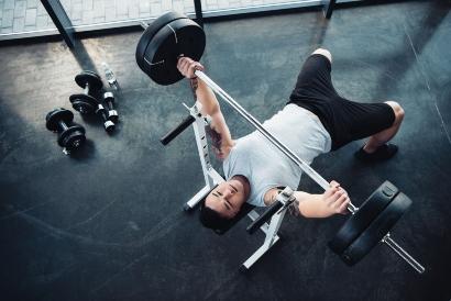 Hipertrofi otot terjadi ketika distimulasi oleh latihan angkat beban