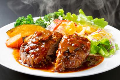 Rahasia resep bistik daging sapi empuk adalah menggunakan daging cincang